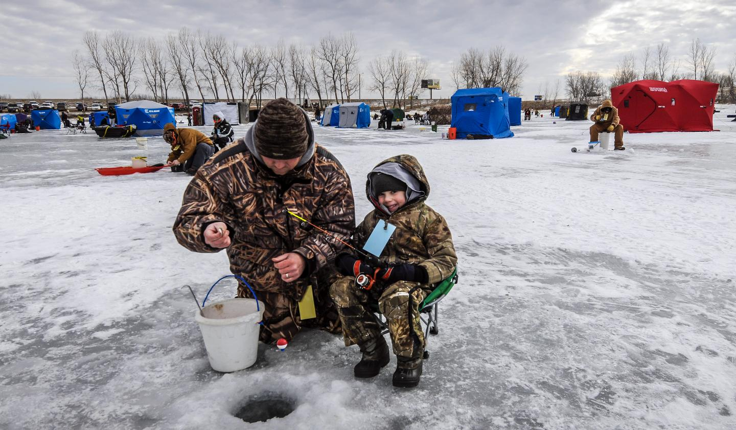 Fishing on frozen waters south dakota places to see for South dakota ice fishing